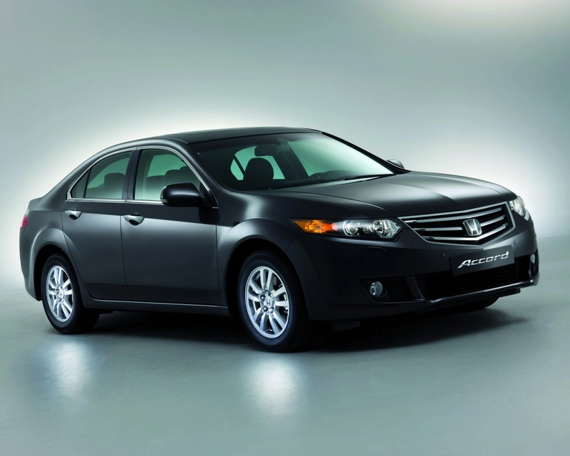 This is Hoinda Accord 2009. Eighth generation of Honda Accord is very near