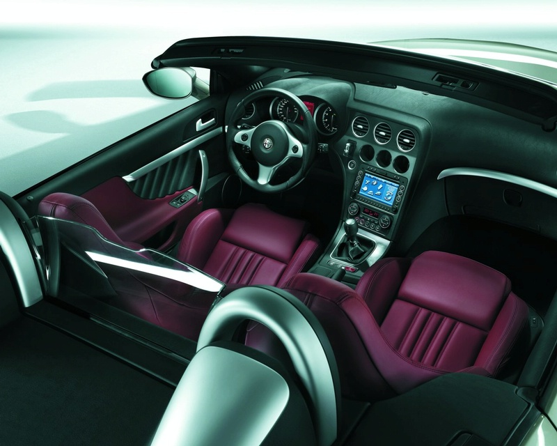 Alfa romeo brera and spider facelift revealed it s your for Auto interior design ideas
