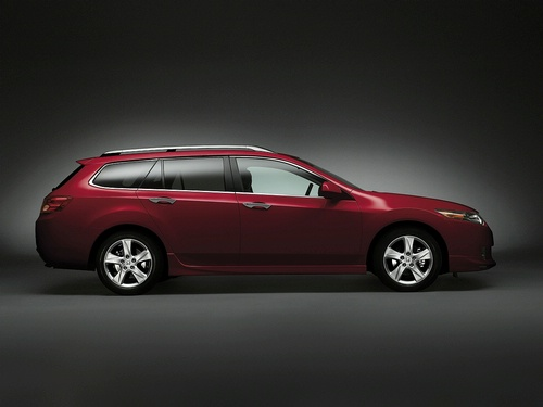 honda_accord_tourer_award.jpg