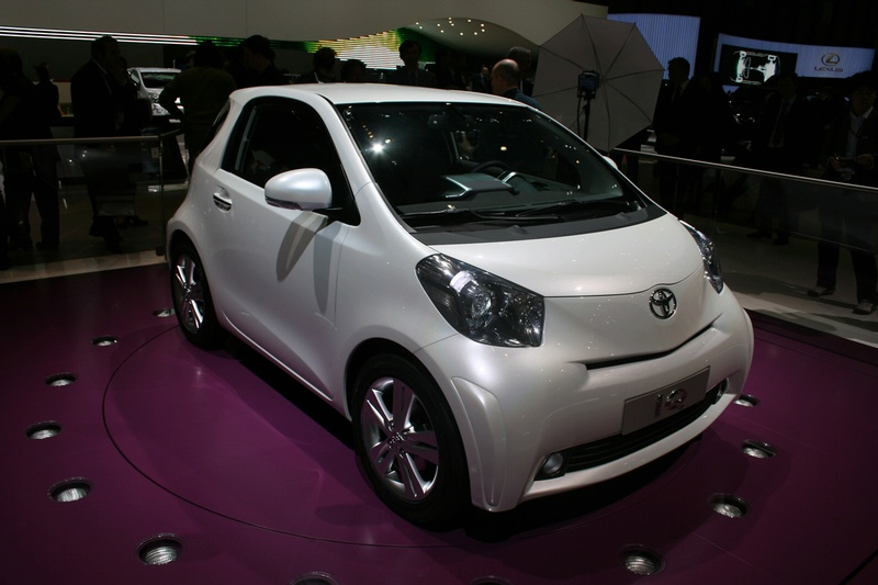 Toyota iQ Unveiled at Geneva