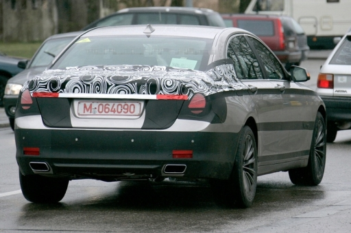 bmw_7_series_spy_2.jpg