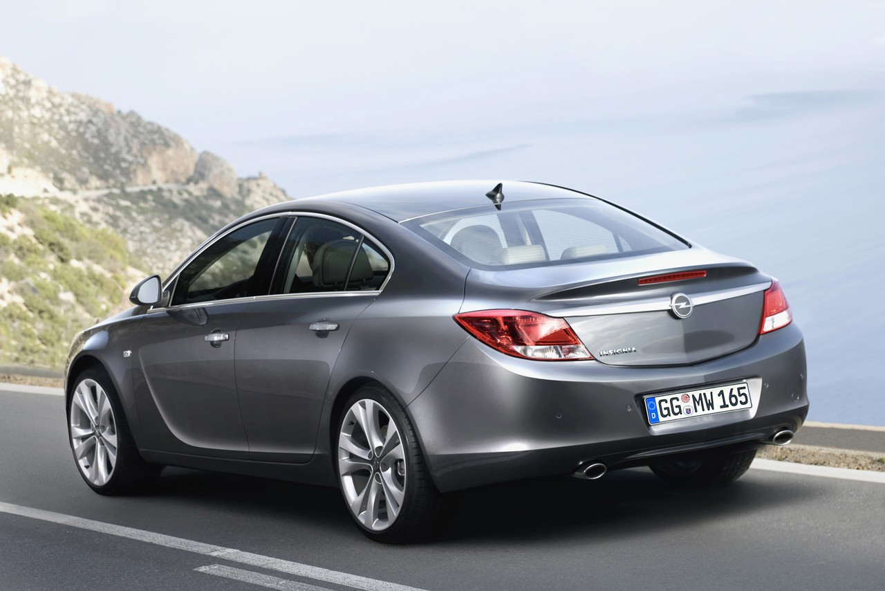 official auto news opel insignia revealed photo it s. Black Bedroom Furniture Sets. Home Design Ideas