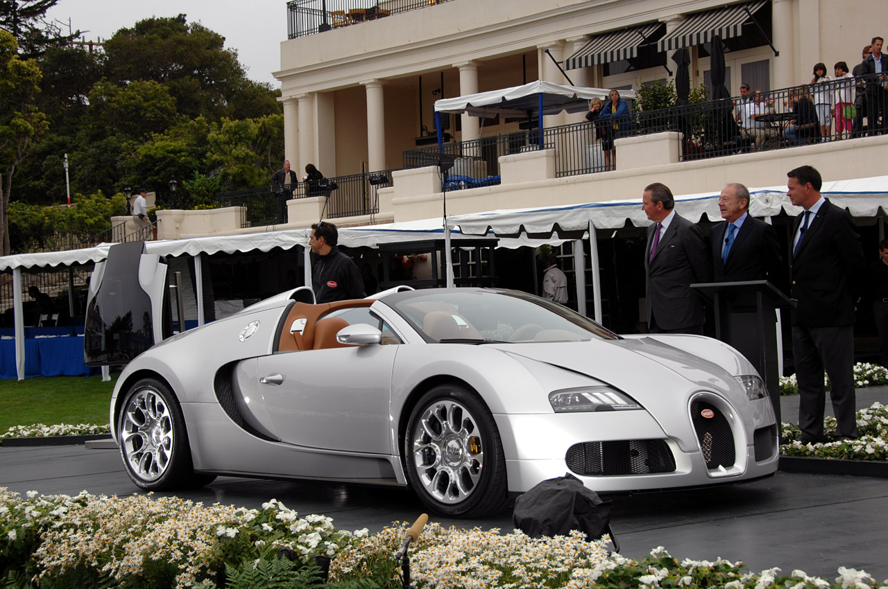 Bugatti Veyron 16 4 Grand Sport Debut At Pebble Beach