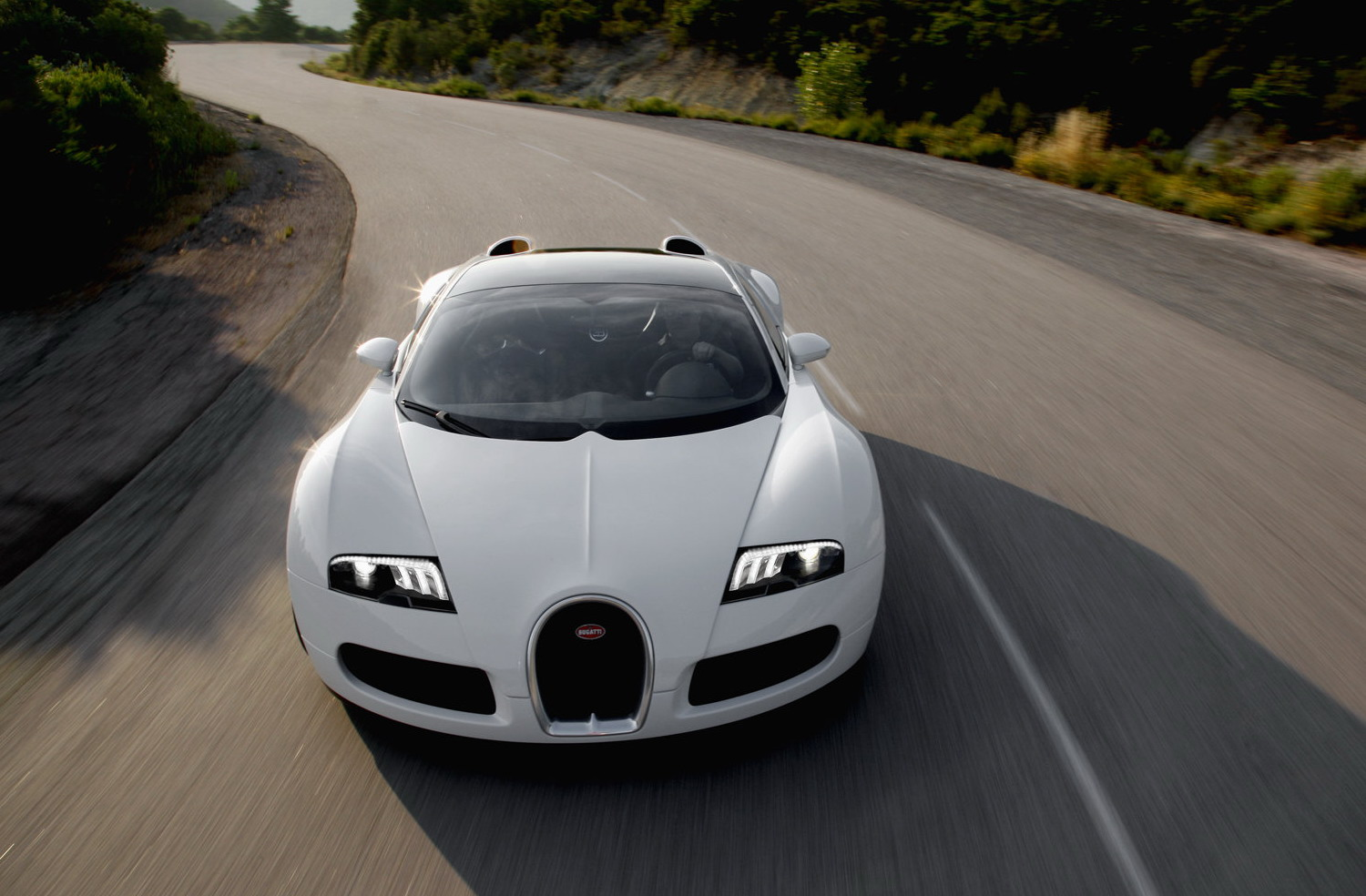bugatti veyron 16 4 grand sport debut at pebble beach details and photo i. Black Bedroom Furniture Sets. Home Design Ideas