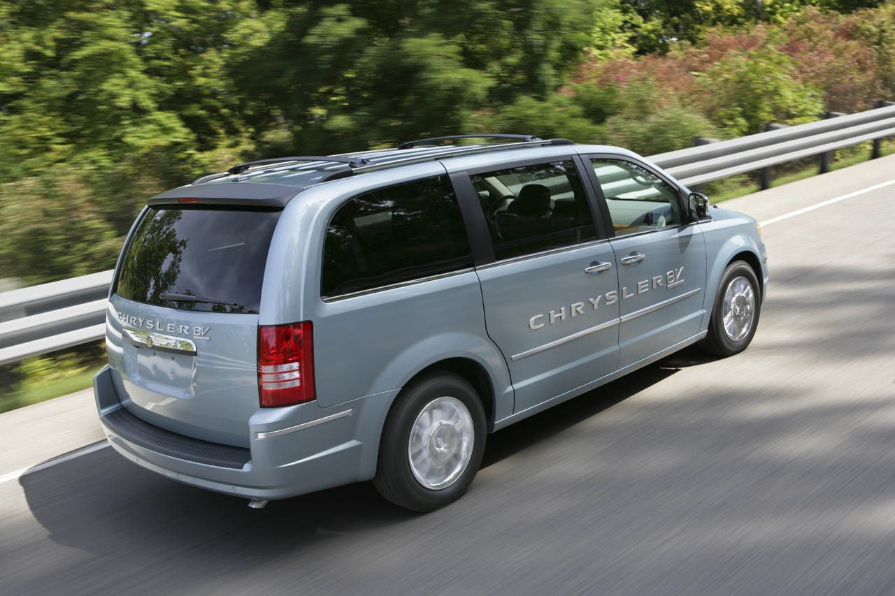 Chrysler Debuts All Electric Dodge Ev Jeep Ev And