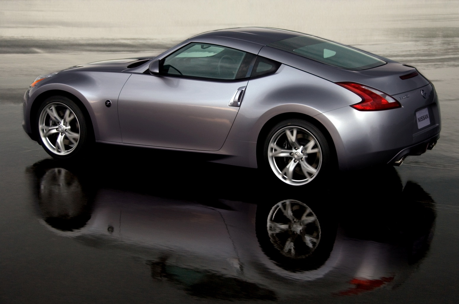 nissan-370z-2009-official-photo-img_2 | it's your auto world