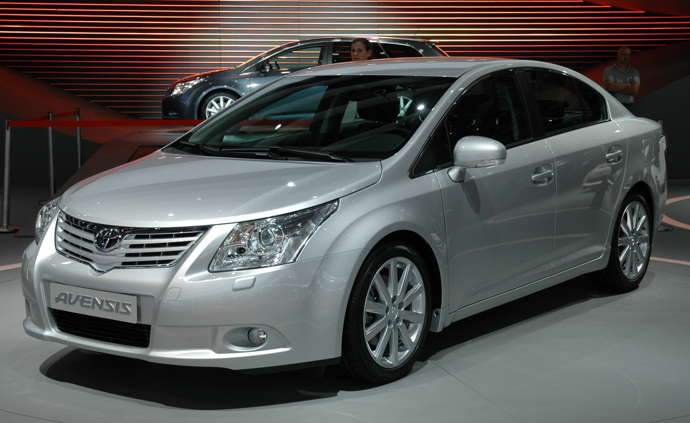 first official images of new 2009 toyota avensis it s. Black Bedroom Furniture Sets. Home Design Ideas