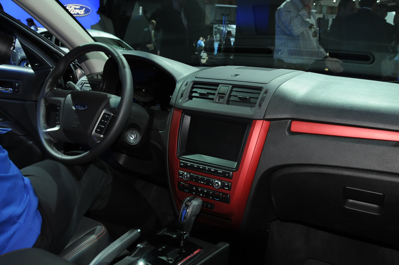 ford-fusion-2010-interior-live-at-la-autoshow-img_5 | It's your auto ...