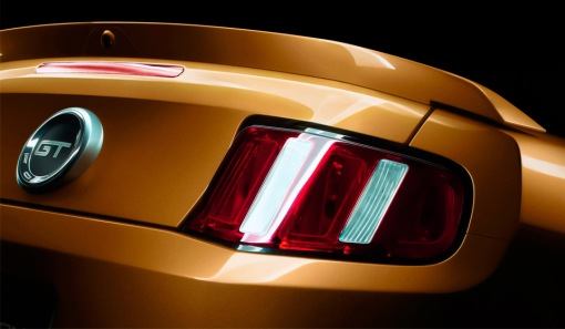 ford-mustang-2010-teaser-14-rear