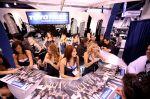 girls-of_sema_auto_show_2008-img_44