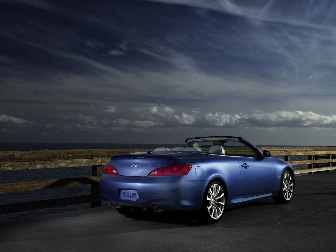 New 2009 Infiniti G37 Convertible Makes Debut At The L A