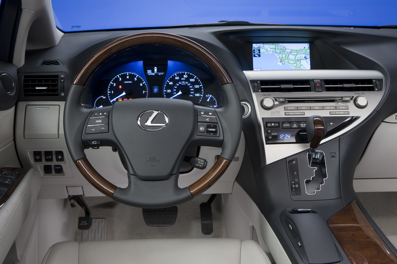 https://autoworld.files.wordpress.com/2008/11/lexus-rx-450h-interior-2010-img_2.jpg