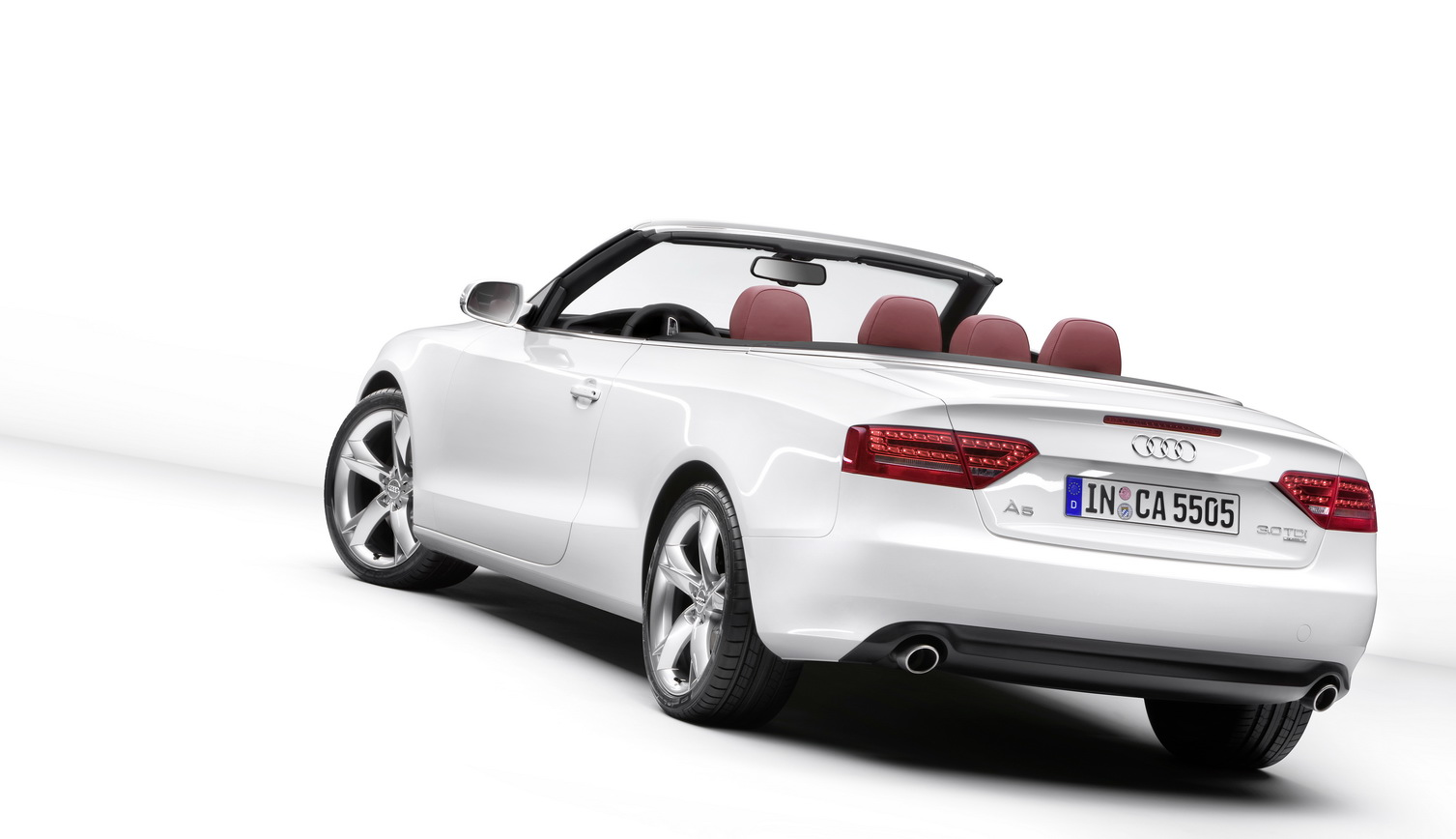 new 2010 audi a5 s5 cabriolet revealed details and photo. Black Bedroom Furniture Sets. Home Design Ideas