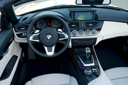 bmw-z4-2010-official-interior-img_19