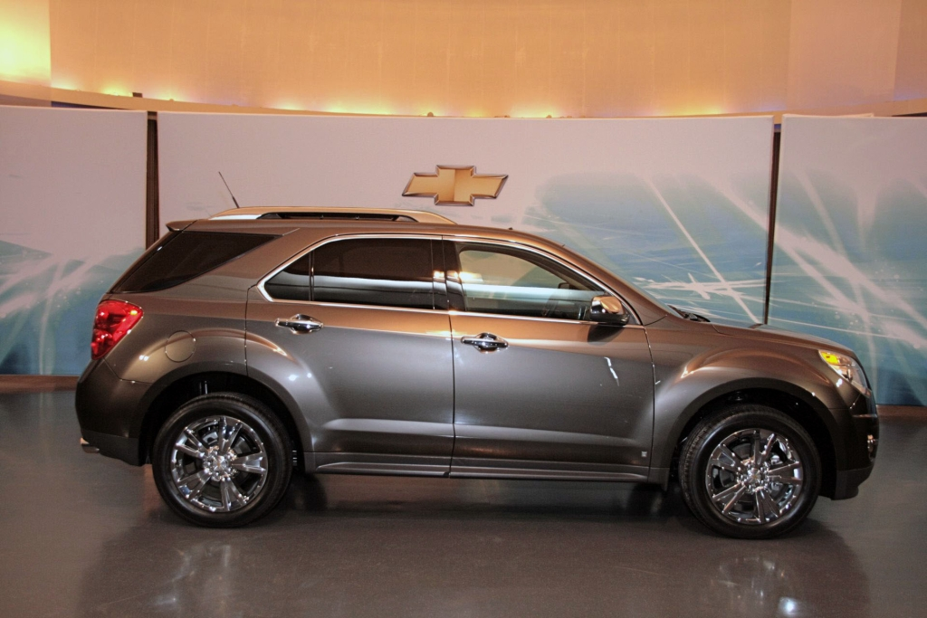 chevrolet equinox 2010 img 3 it s your auto world new. Black Bedroom Furniture Sets. Home Design Ideas