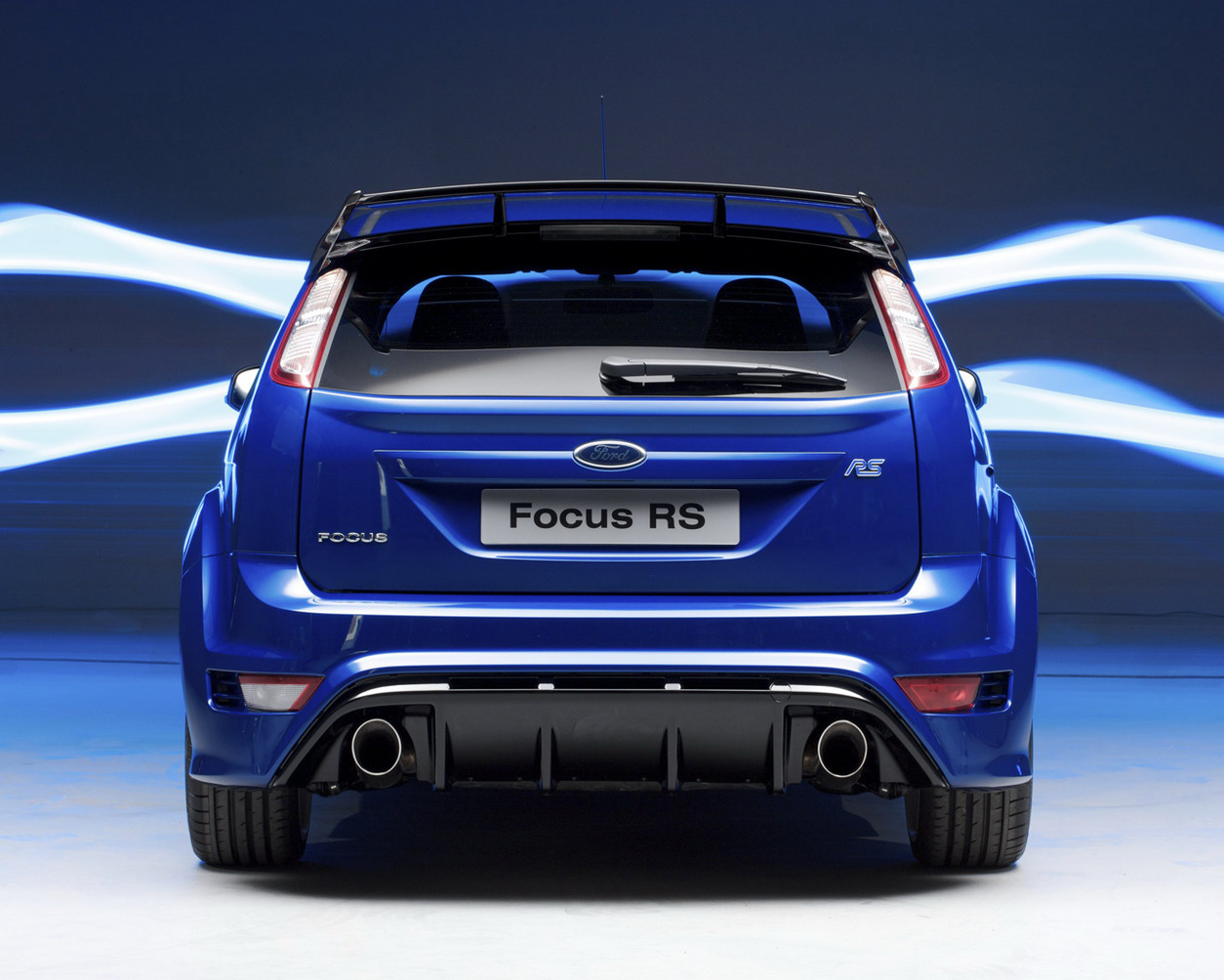 ford focus rs 2010 production img 11 it s your auto. Black Bedroom Furniture Sets. Home Design Ideas