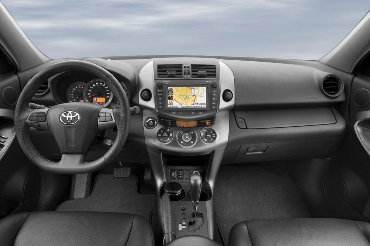Toyota Rav4 2009 Euro Interior Img 10