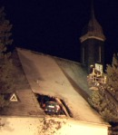 accident-car-lands-on-church-roof-germany-img_2