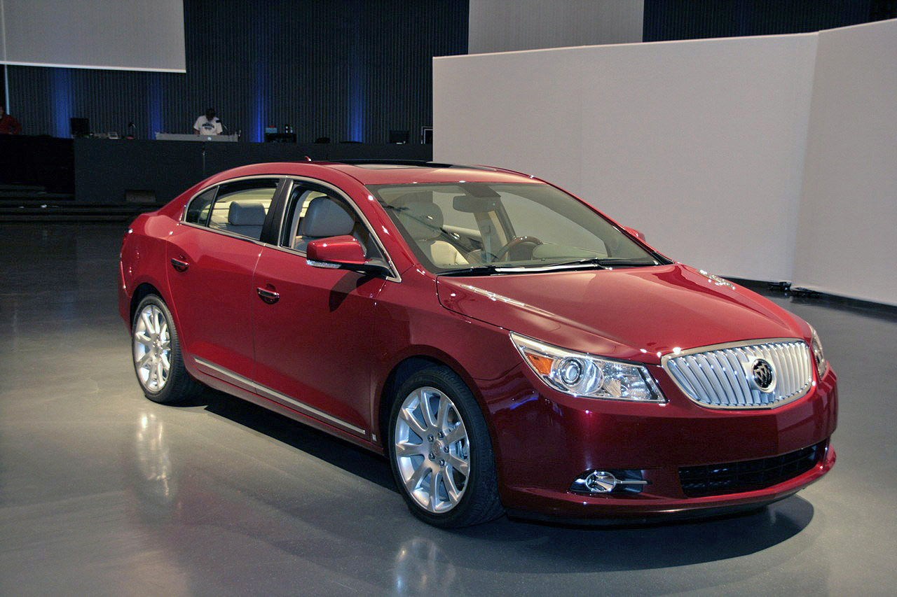 new 2010 buick lacrosse officially unveiled photo and video it s your auto world new cars. Black Bedroom Furniture Sets. Home Design Ideas