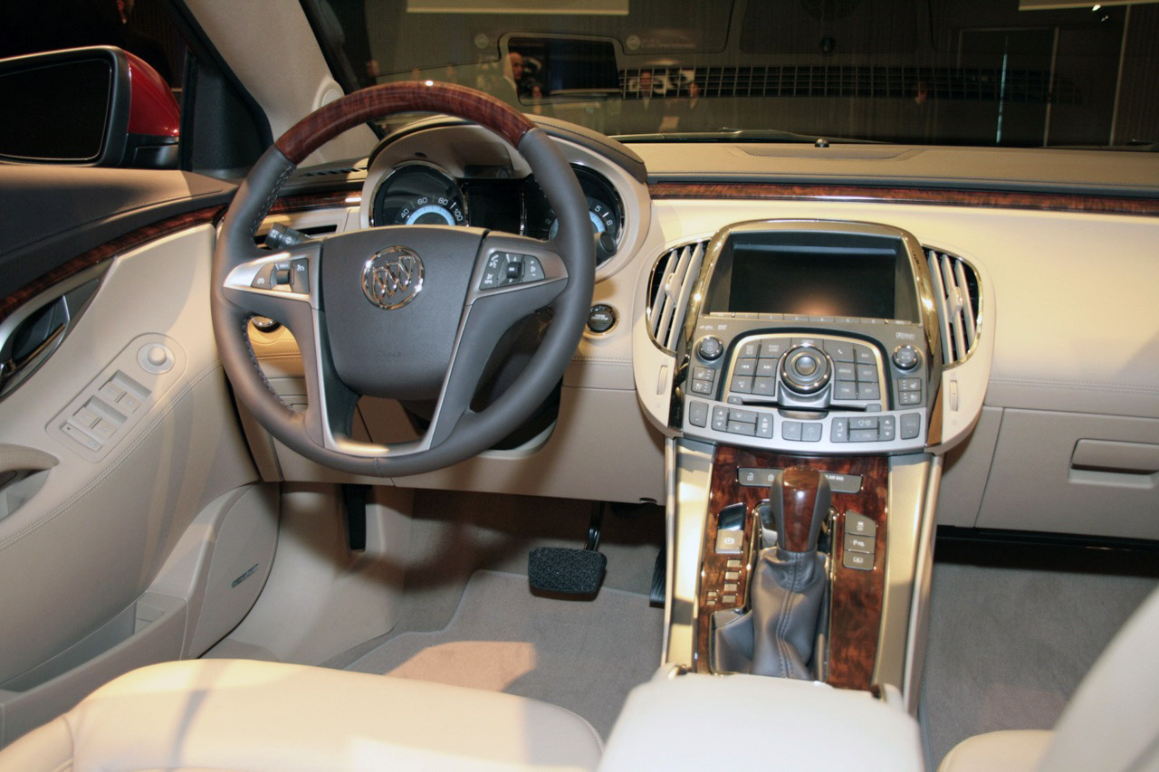 new 2010 buick lacrosse officially unveiled photo and. Black Bedroom Furniture Sets. Home Design Ideas