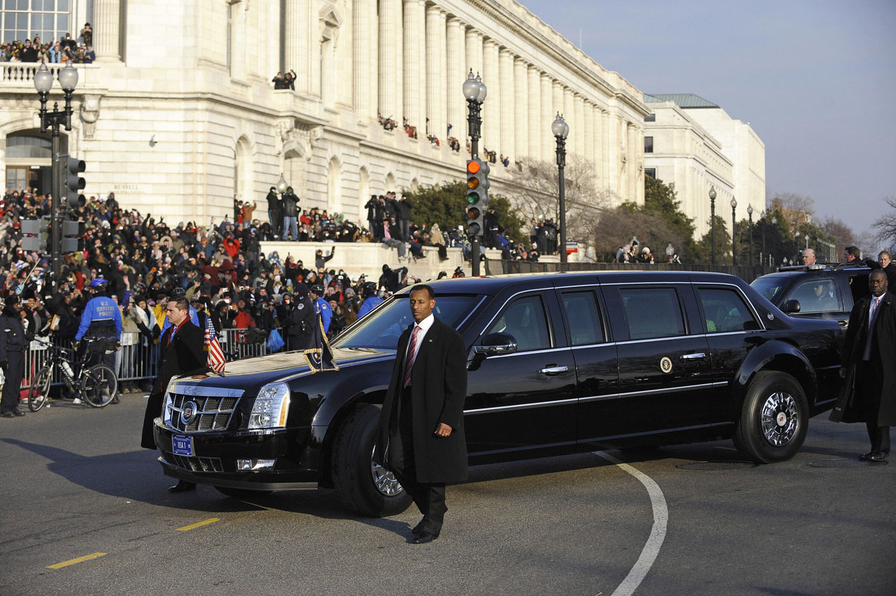 Barack Obama\'s New Cadillac Presidential Limousine | It\'s your auto ...