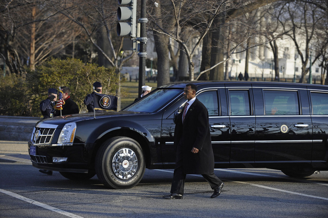 Latest Cadillac Escalade >> Barack Obama's New Cadillac Presidential Limousine | It's your auto world :: New cars, auto news ...