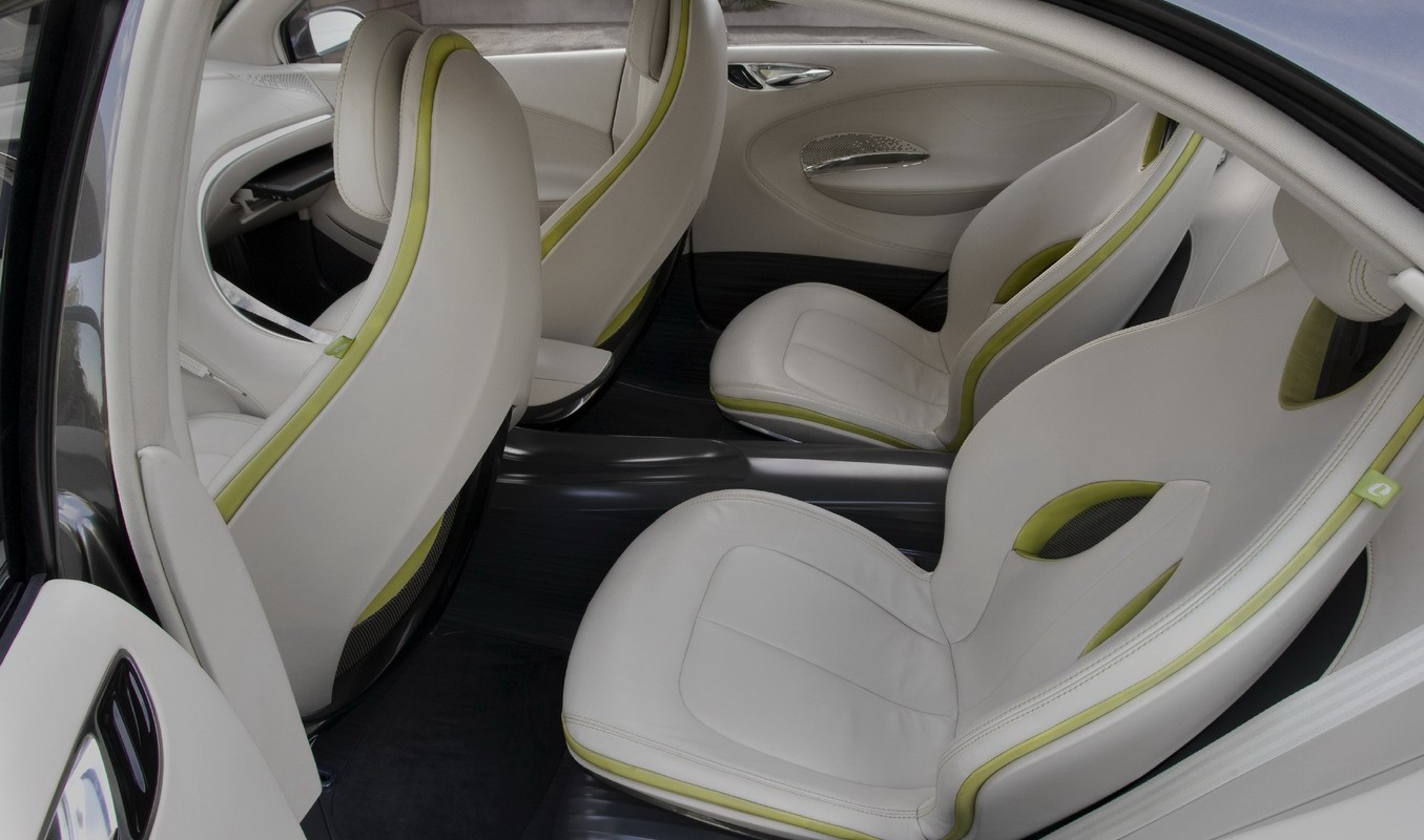 Chrysler 200C EV Concept  Look