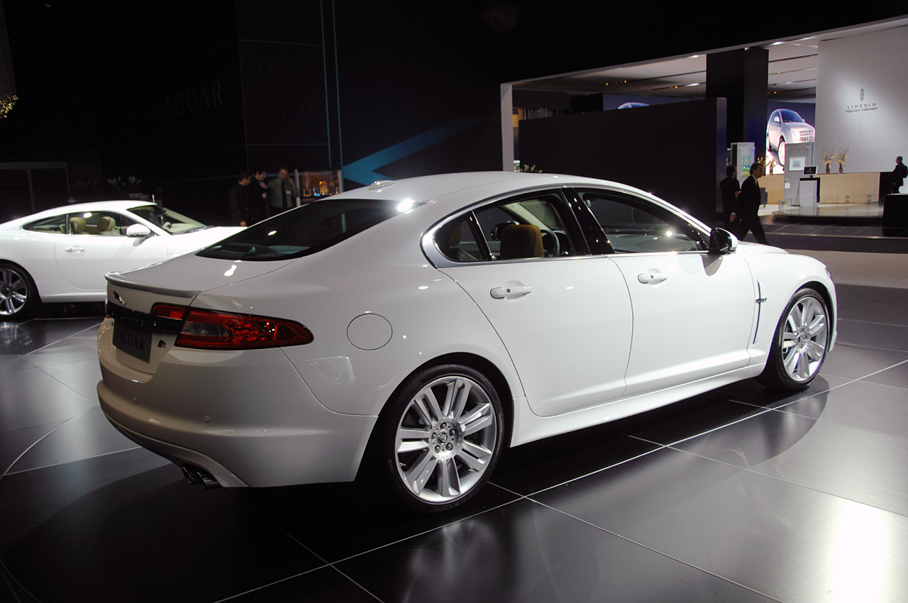 2010 Jaguar XFR Picture