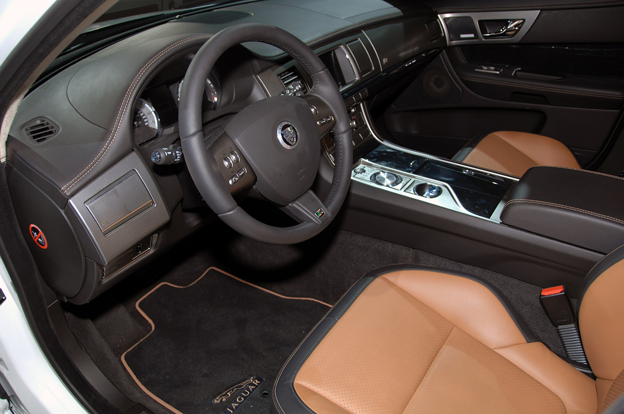 new 2010 jaguar xfr official details and photo it s your auto world new cars auto news. Black Bedroom Furniture Sets. Home Design Ideas