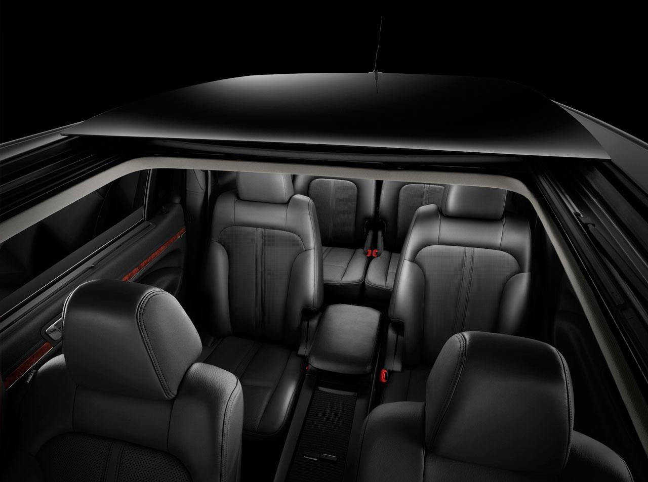 New 2010 Lincoln MKT debuts at