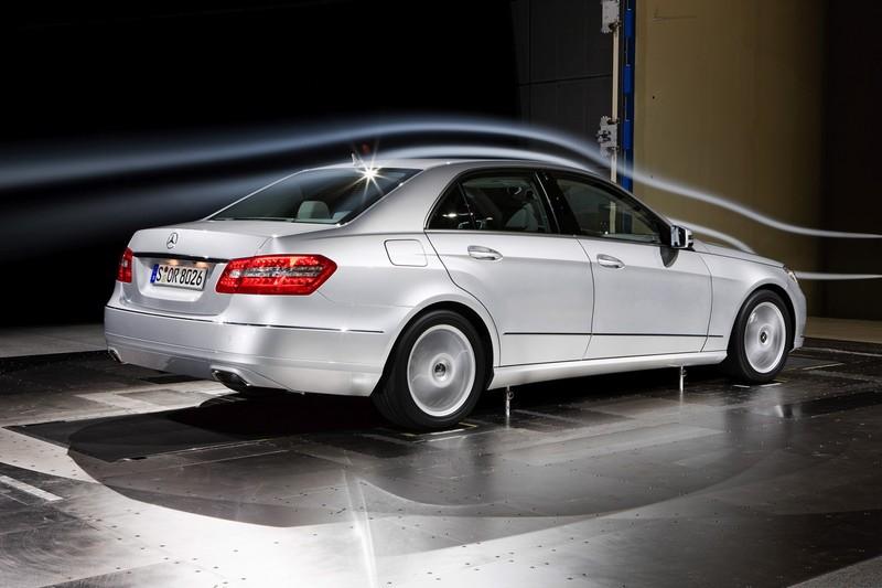 2010 mercedes e class brochure for Mercedes benz e class brochure