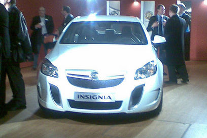 vauxhall-insignia-vrx-leaked-img_1