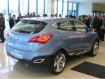 hyundai-ix-onic-concept-revealed-for-press-img_2