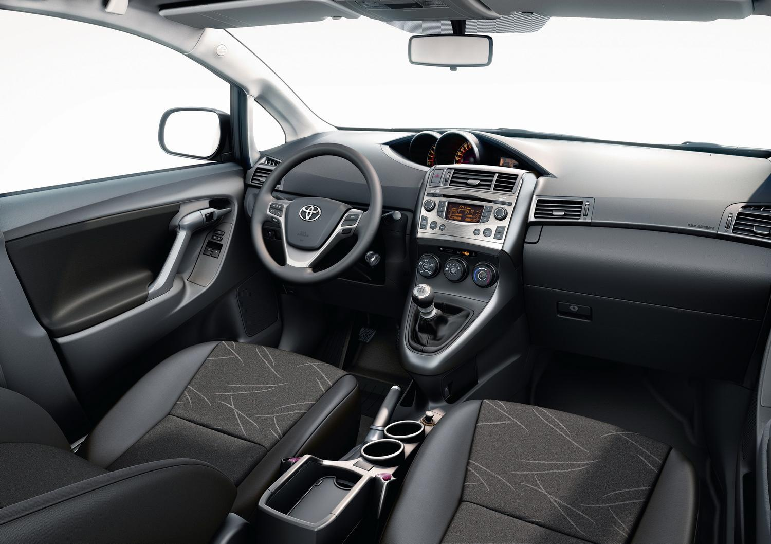 2010 toyota verso interior img 7 it s your auto world new cars auto news reviews photos. Black Bedroom Furniture Sets. Home Design Ideas
