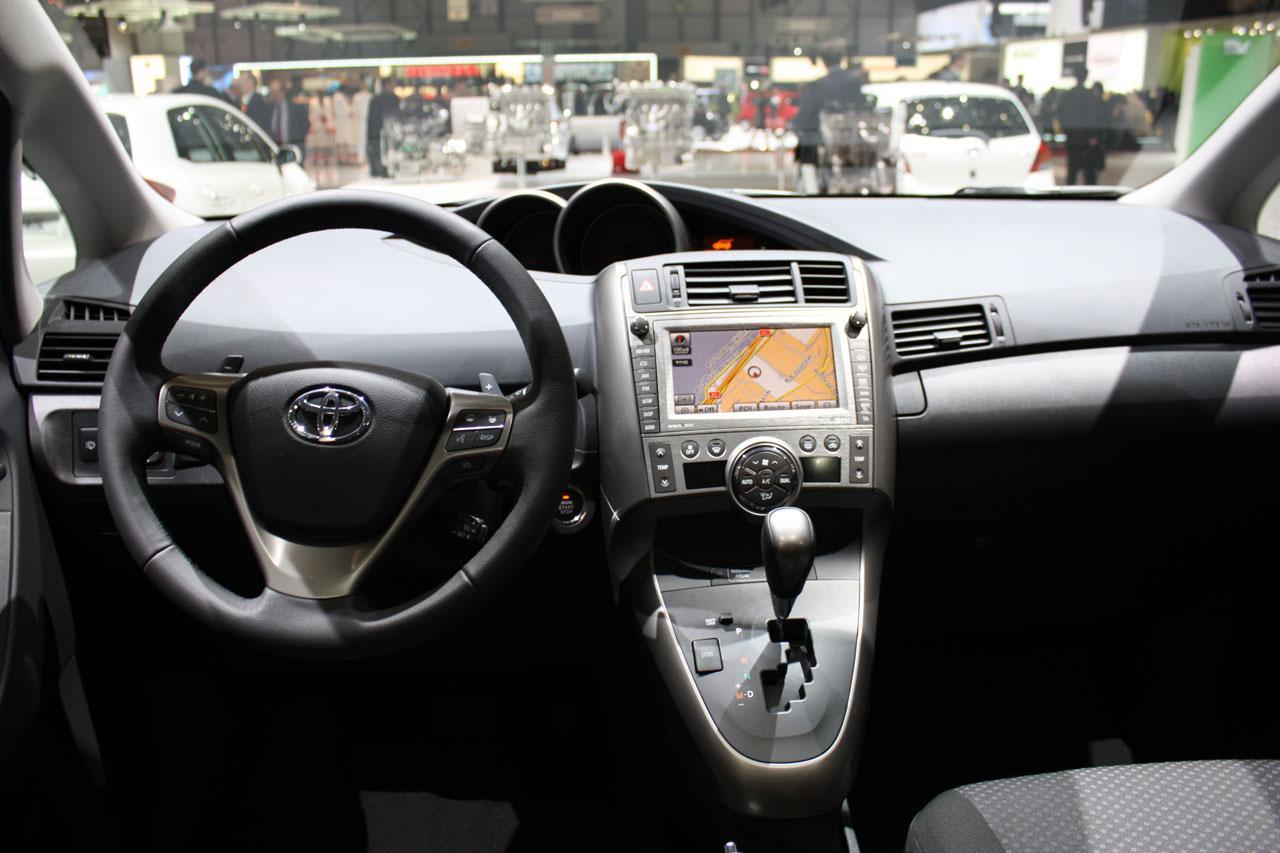 New 2010 Toyota Verso Reavealed At Geneva Photos It S Your Auto World New Cars Auto News