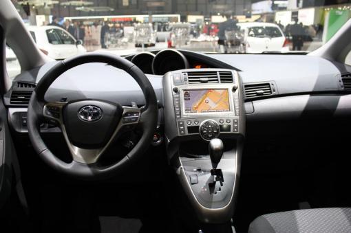 2010 Toyota Verso LIVE at Geneva Motor Show interior img_5