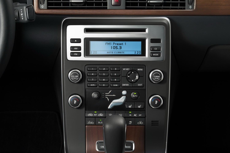 volvo-s80-sedan-2010-model-year-interior-img_14 | it's your auto
