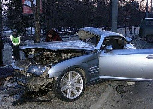 Chrysler Crossfire crash with delivery truck in Russia img_5