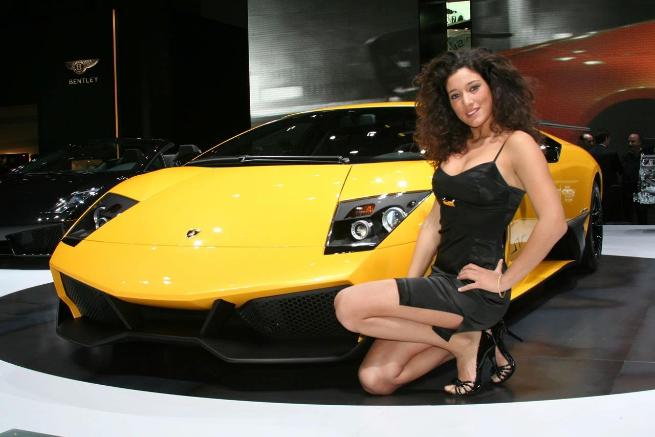 girls at 2009 geneva motor show img 23 it s your auto world new cars auto news reviews. Black Bedroom Furniture Sets. Home Design Ideas
