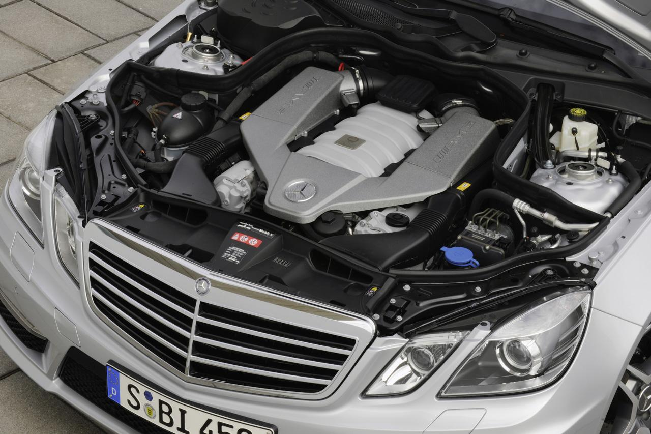 2010 mercedes e63 amg sedan engine it s your auto world for Mercedes benz engine