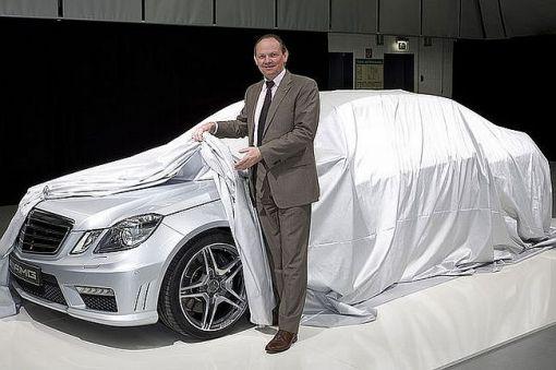 2010 Mercedes E63 AMG sedan img_1