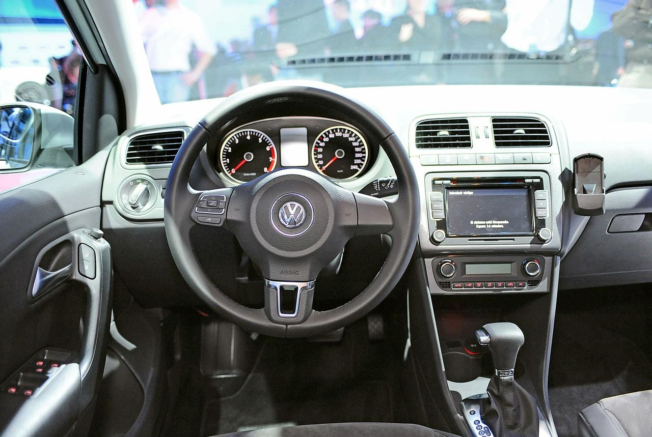 volkswagen polo 2010 live at 2009 geneva motor show interior img 12 it s your auto world. Black Bedroom Furniture Sets. Home Design Ideas