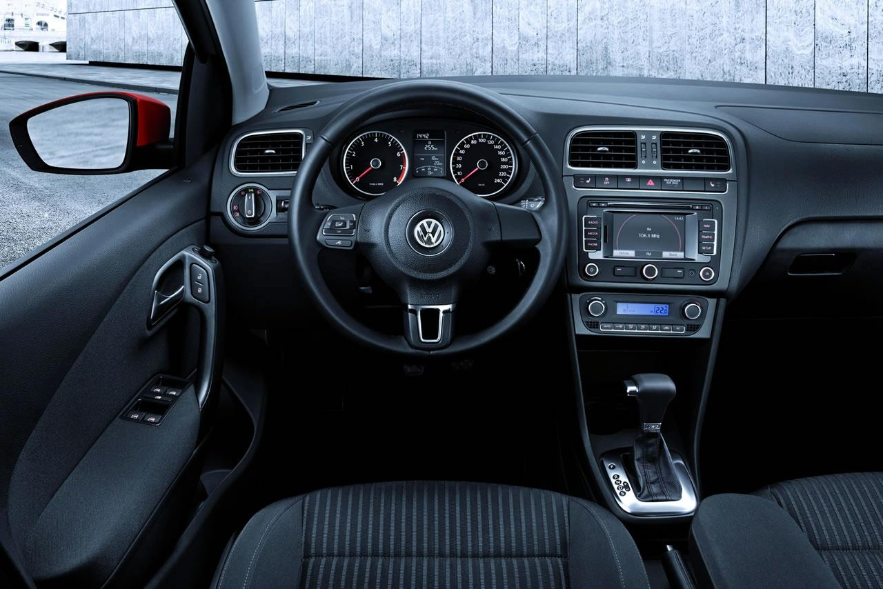 volkswagen-polo-mkv-2009-official-interior-img_16 | It's ...