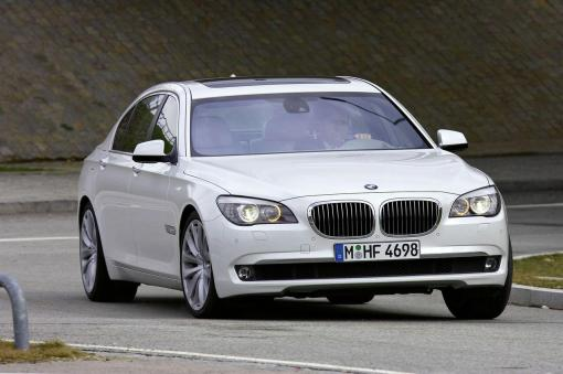 2010 BMW 760i official img_1