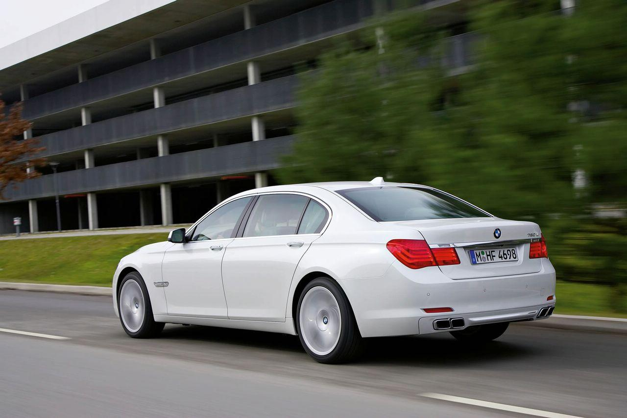 new bmw 760i and 760il with twin turbo v12 officially. Black Bedroom Furniture Sets. Home Design Ideas