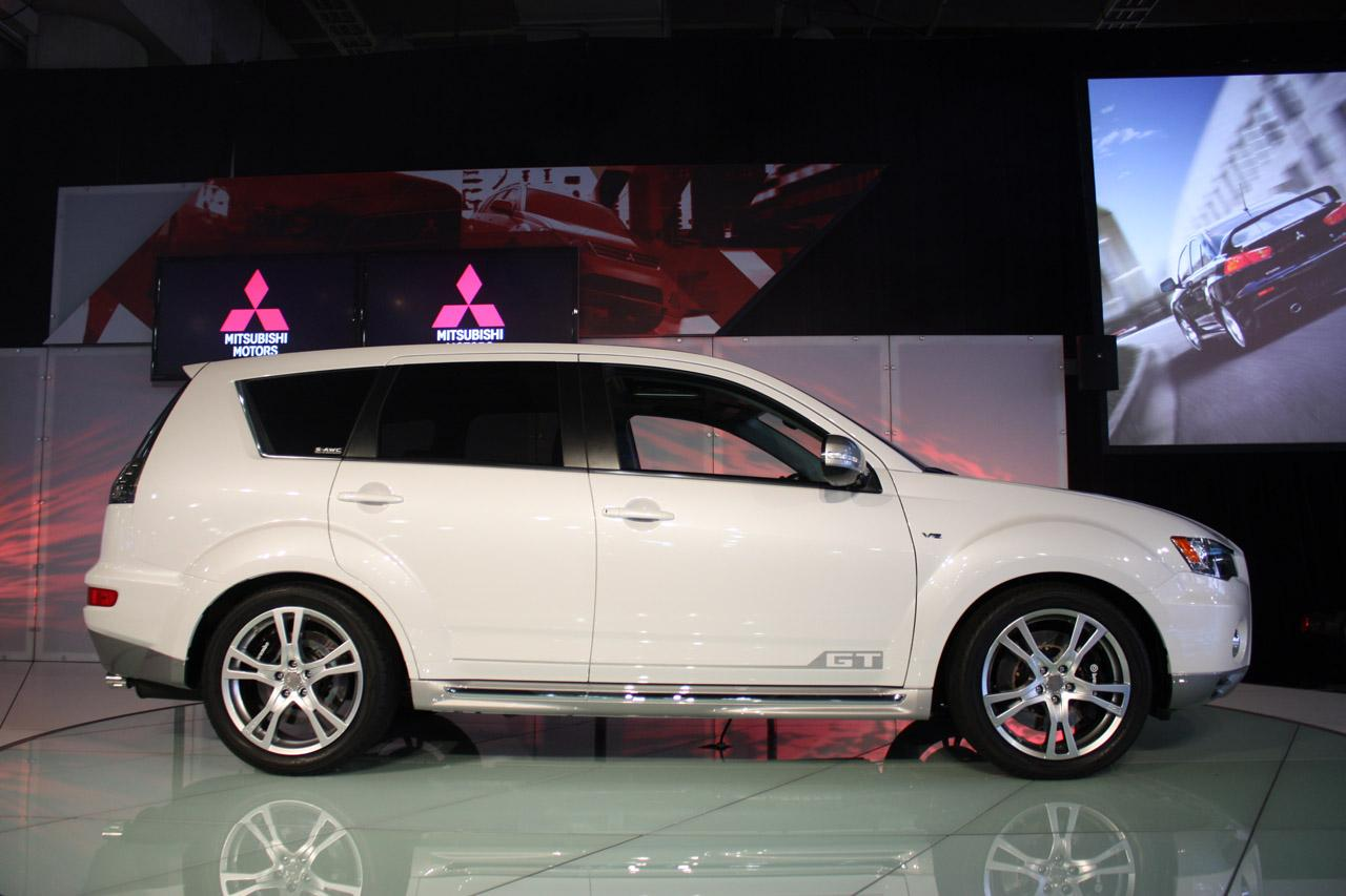 Mitsubishi Outlander GT prototype LIVE from New York img_4