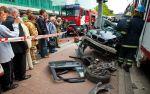 BMW 3-Series Touring crash between  Tram and Traffic Pole Tallin, Estonia img_10