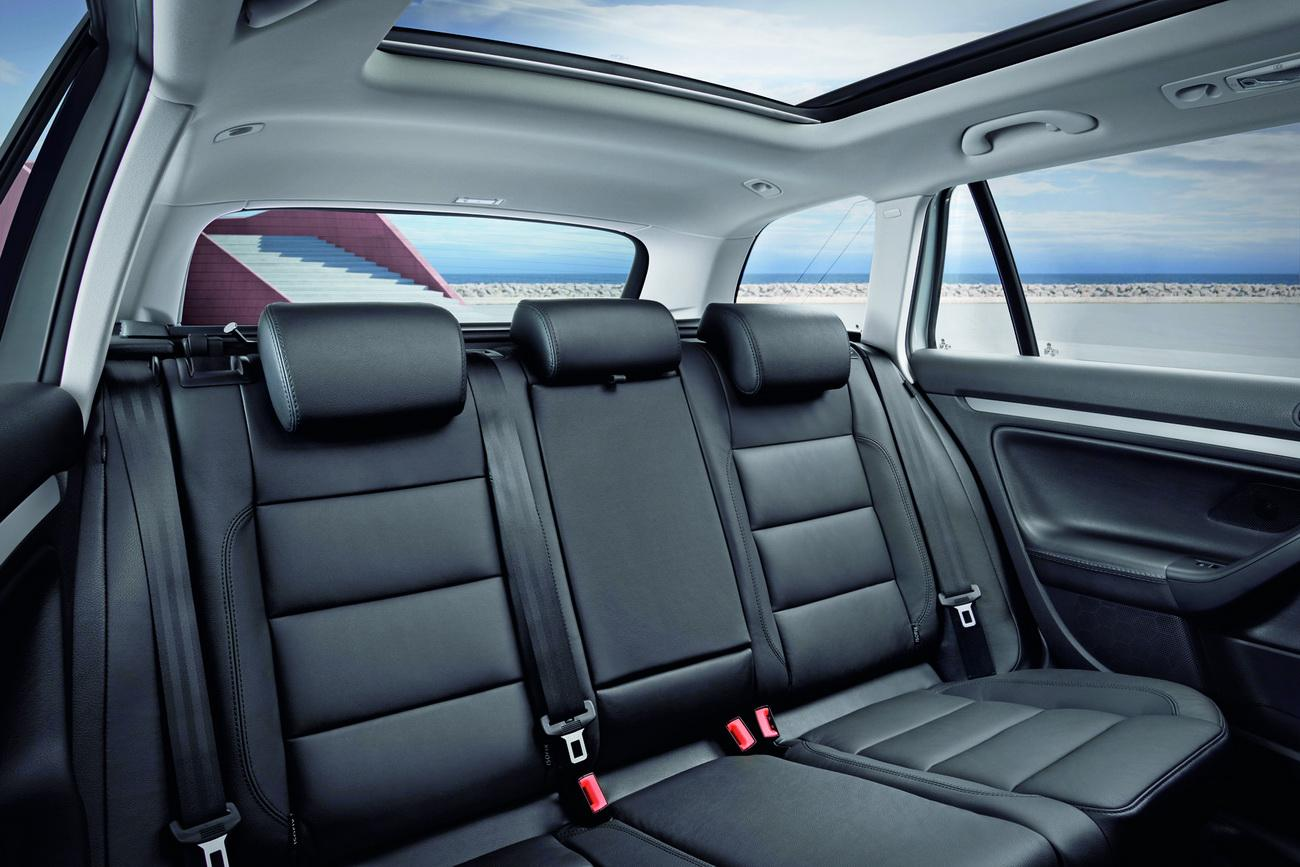 new 2010 volkswagen golf vi estate unveiled details. Black Bedroom Furniture Sets. Home Design Ideas