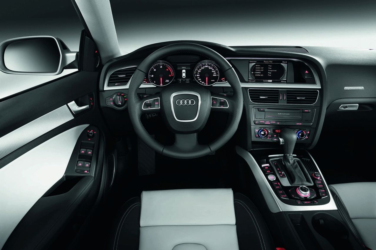 Audi a5 sportback official interior img 20 it s your for Audi a6 4f interieur