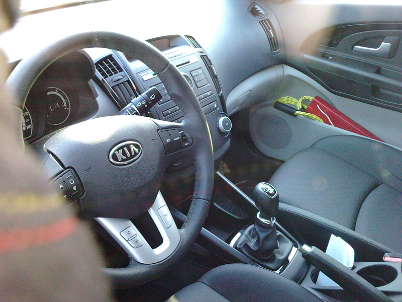 2010 kia cee d facelift latest spy photos it s your for Interior kia ceed